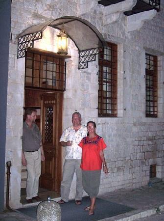 Hotel Kentrikon : Me with a friend and George, Kentrikon owner