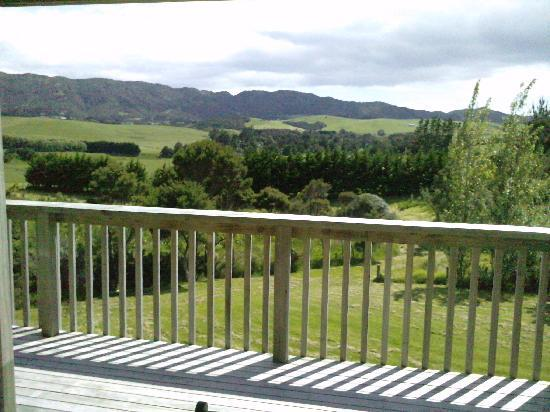Mill Ridge Secluded Cottages: View from Punga Cottage