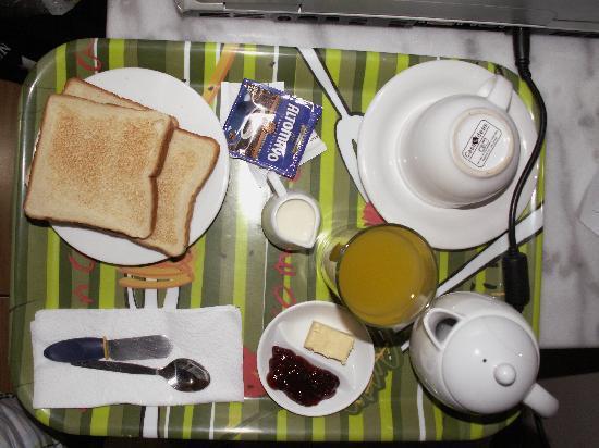 El Farolito Hotel: breakfast