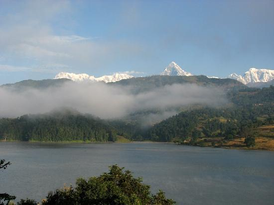 Begnas Lake Resort: begnas morning mists