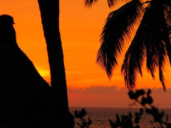 Hotel Krystal Puerto Vallarta: Sunset from the pool