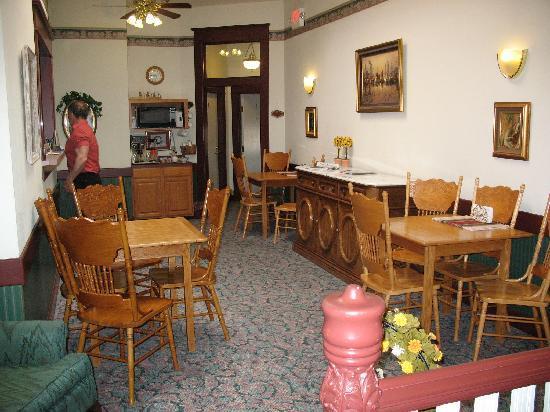 Heritage Inn: Lobby