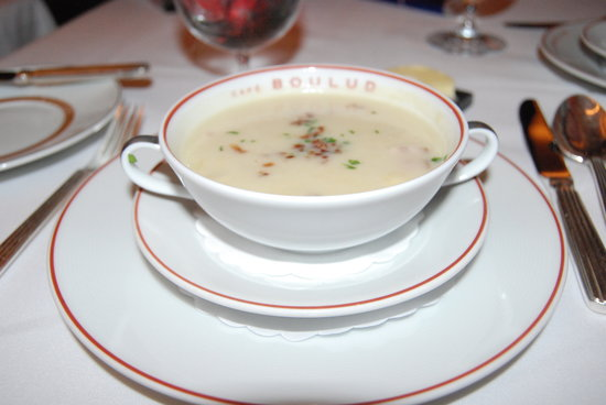 Cafe Boulud: clam chowder