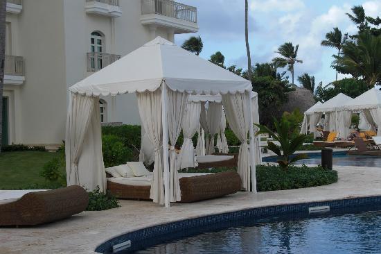 Iberostar Grand Hotel Bavaro: Canopy by the pool.