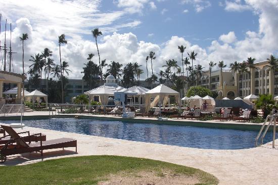 Iberostar Grand Hotel Bavaro : Activities Pool.