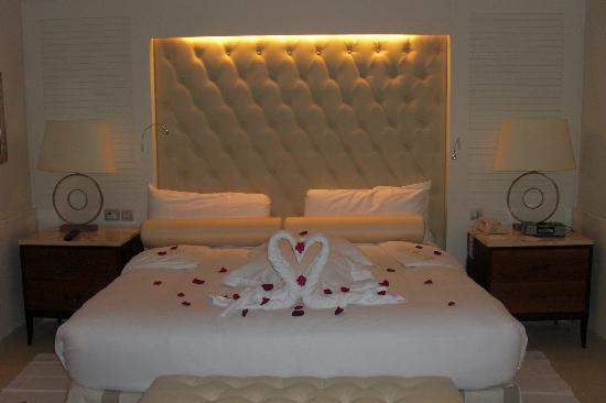 Iberostar Grand Hotel Bavaro : Room decorated for jacuzzi night.