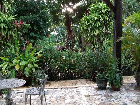 Hotel Fazenda Sitio Nosso Paraiso: Garden