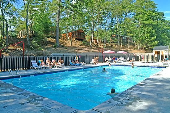 Cape Cod Campresort & Cabins: Adult Pool