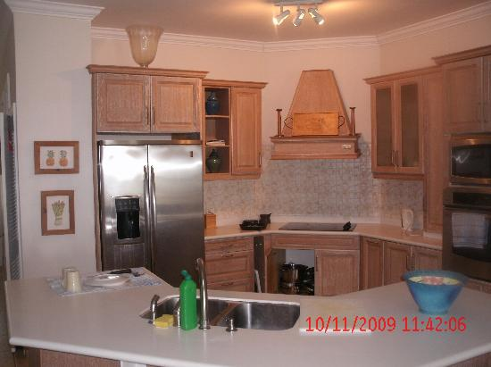 The Seahorse Inn: The kitchen..fully equipped