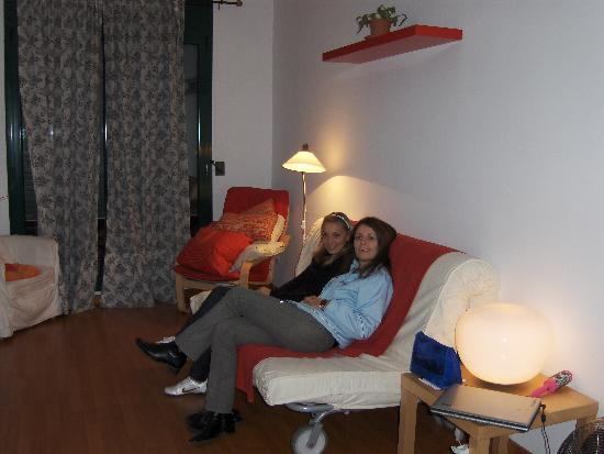 Old Town Apartments Barcelona: My friend and I in Villaroel 2