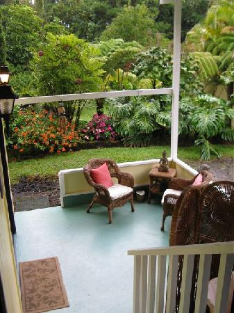 Coconut Cottage Bed & Breakfast: back porch