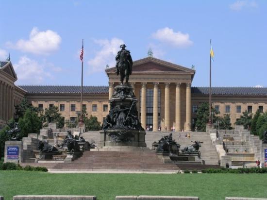 Museo de Arte de Filadelfia: Statue of George Washington in front of Philadelphia Museum of Art