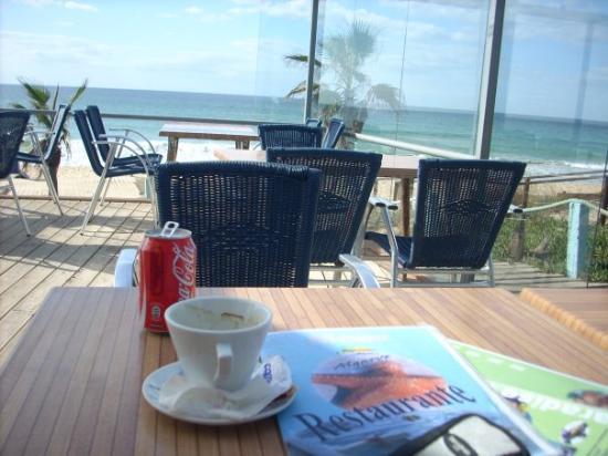 Almancil, Portugalia: terrasje doen! st. julia's, vale do lobo