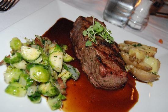 Pascal's Chophouse: new york steak