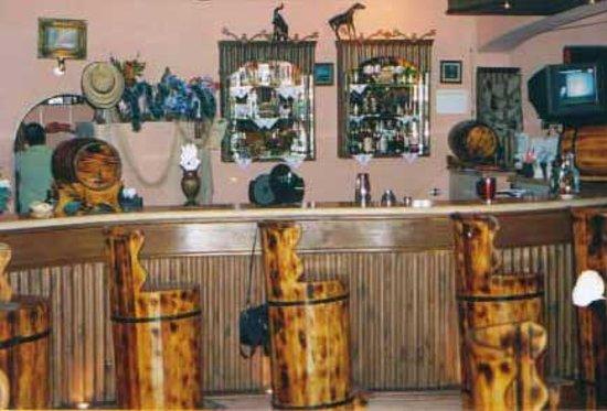 Sugar Huts: the bar