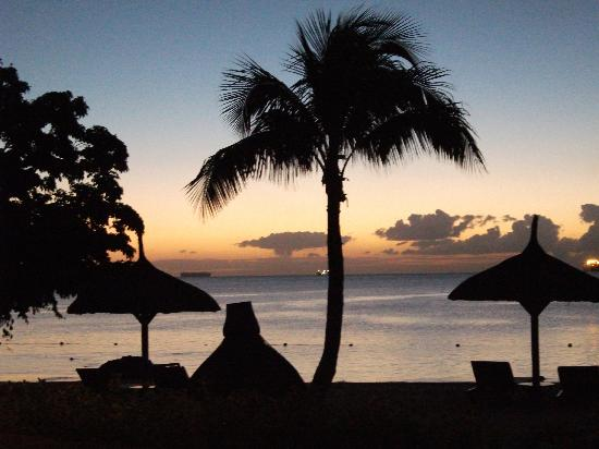 The Oberoi, Mauritius: Night time from the bar