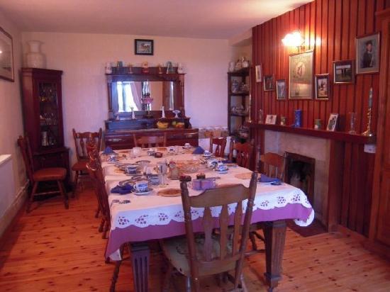 Milltown, İrlanda: Breakfast table after breakfast