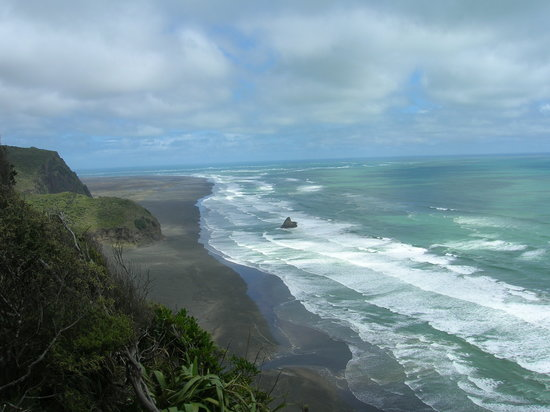 TIME Unlimited Tours: Karekare Beach