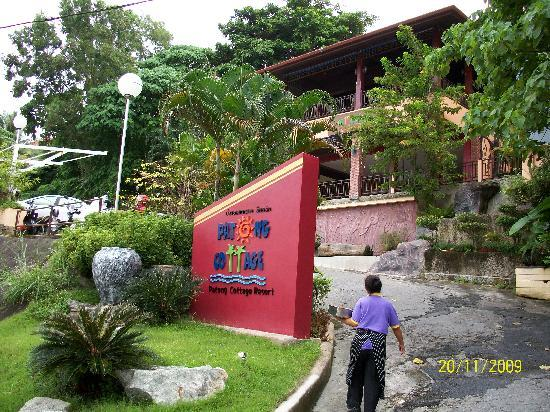 Patong Cottage Resort: Outlook at the entrance