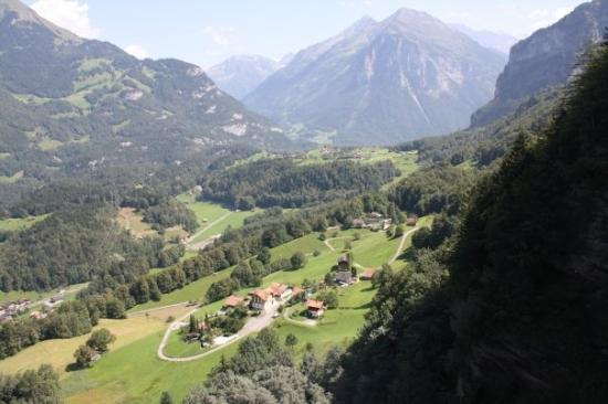 Meiringen, Switzerland: And the view from Reichenbach, which is across the valley from Schrandli