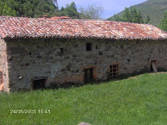 Casa t pica monta esa picture of cantabria spain tripadvisor - Casa montanesa ...