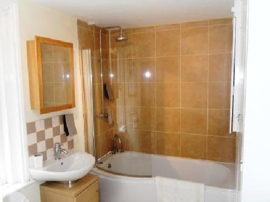 Wilton Guest House: Nothe Bathroom