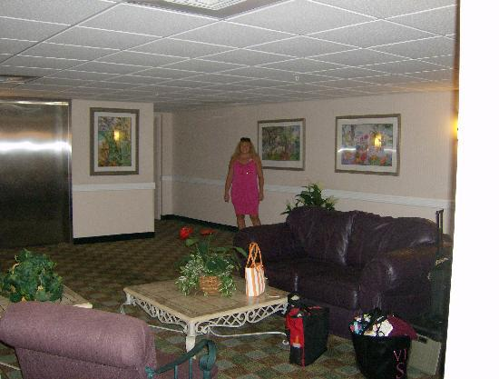 La Quinta Inn & Suites Sarasota I-75: 3rd floor lobby