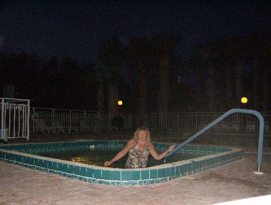 La Quinta Inn & Suites Sarasota I-75: AmericInn Jacuzzi