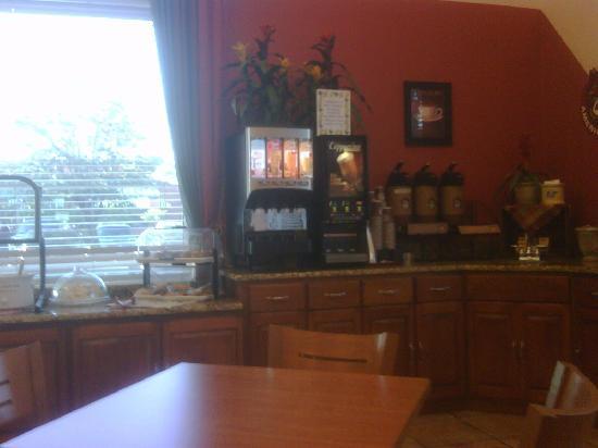 La Quinta Inn & Suites Sarasota I-75: Free Breakfast