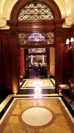 Hotel Le St-James: lobby