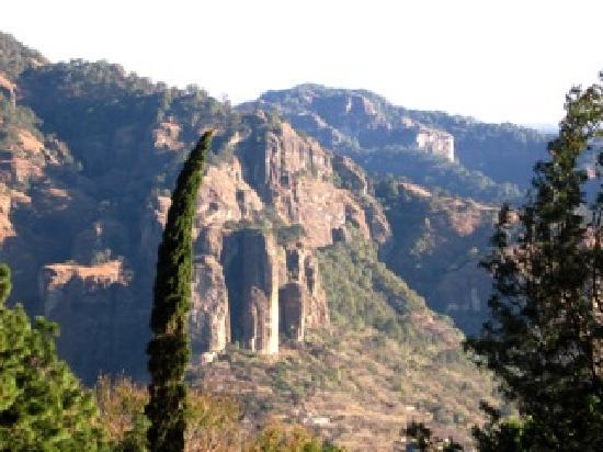 ‪‪Tepoztlan‬, المكسيك: Tepozteco Mountains‬