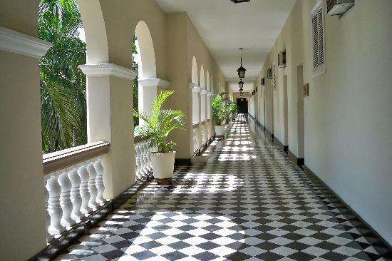 El Prado Hotel: Original floors. Beautiful !
