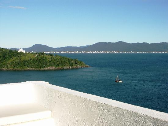 Refugio do Estaleiro: Vista de la Costa Esmeralda desde uno de los departamentos