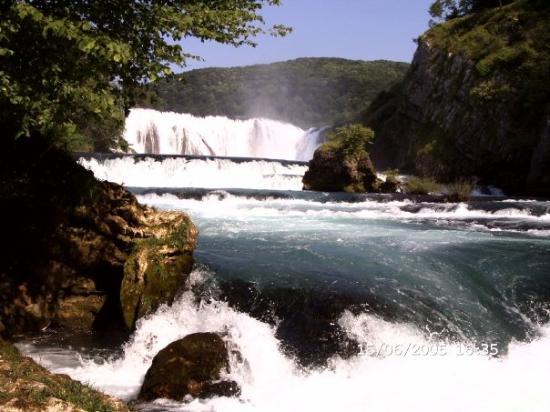 Bihac, Bosnia-Herzegovina: Bosnien Ezegovina. Cascate