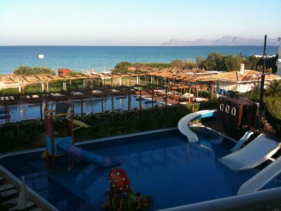 Zafiro Bahía : Childrens and adult-only pools