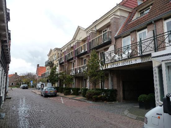 Bommelj front 2 picture of hotel bommelje domburg for Design hotel zeeland