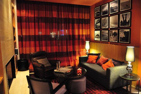 Adina Apartment Hotel Berlin Checkpoint Charlie: lobby