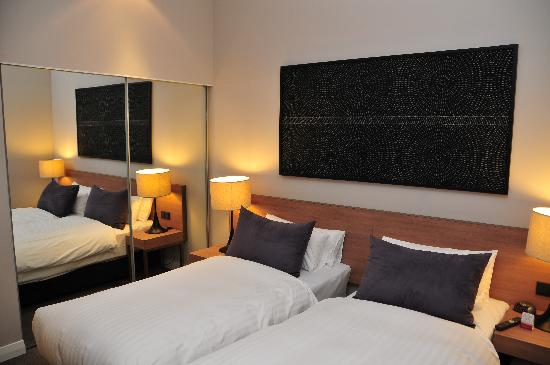 Adina Apartment Hotel Berlin Checkpoint Charlie: room