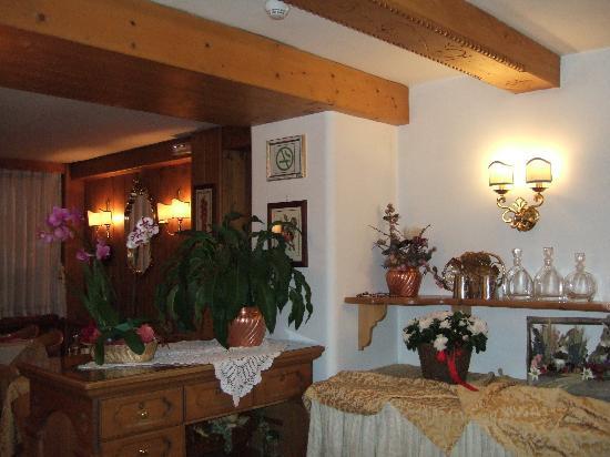 Hotel Cornelio: ホテルのレストラン