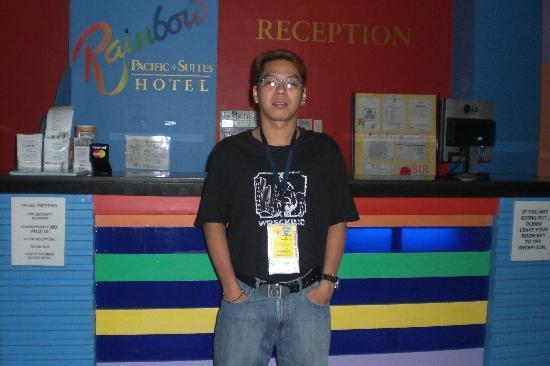 Rainbow Pacific Suites Hotel: our tour men.....aljo or (alfredo ocampo)...