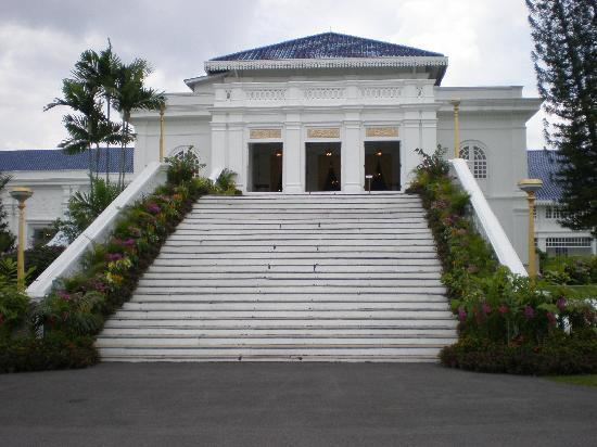 Grand Palace Park (Istana Besar): Istana lama - grand entrance