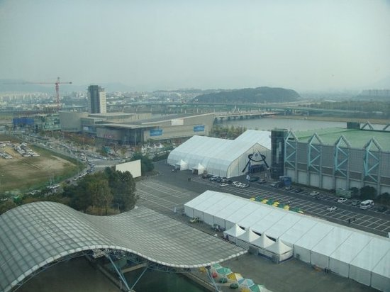 Daejeon, Zuid-Korea: View of the convention center from the Korean space needle.