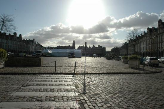 Arras Photo