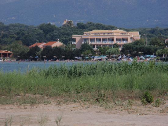 Angela Beach Hotel: vue exterieur de l'hôtel