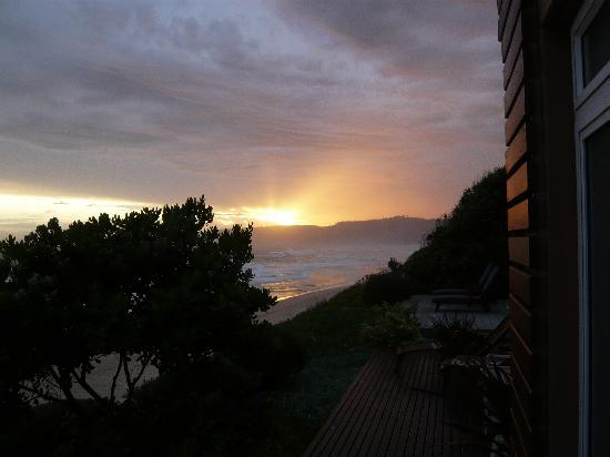 Sonnenuntergang über der Dune Guest Lodge
