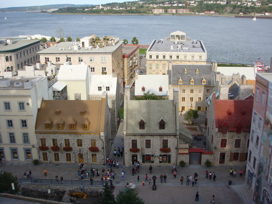 Japanese Guided Quebec City Sightseeing Tours on Foot - Quebec Guide Service