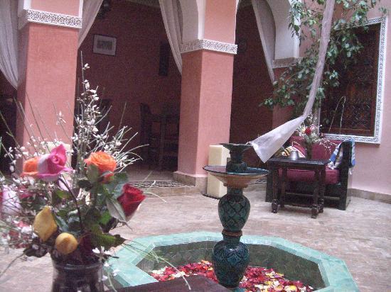 Hotel Tizgui: Innenhof