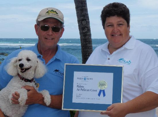 The Palms at Pelican Cove: Chuck, Julie & Misha w 2009 Best Hotel Award