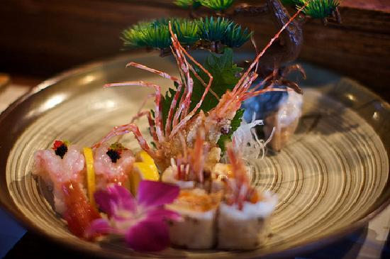 Yanagi Sushi & Grill: They happened to have live shrimp, and here is the creative way the sushi chef at Yanagi served