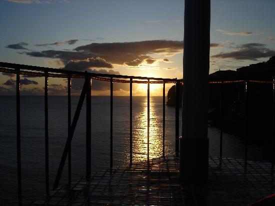 Inn & Art Cottage: terrace sunset